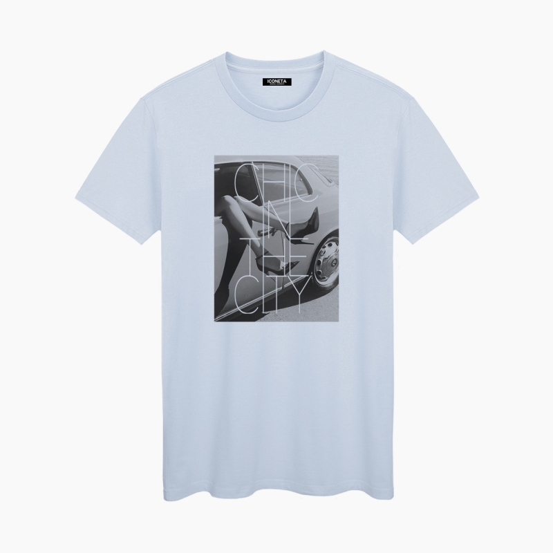 CHIC IN THE CITY unisex T-Shirt